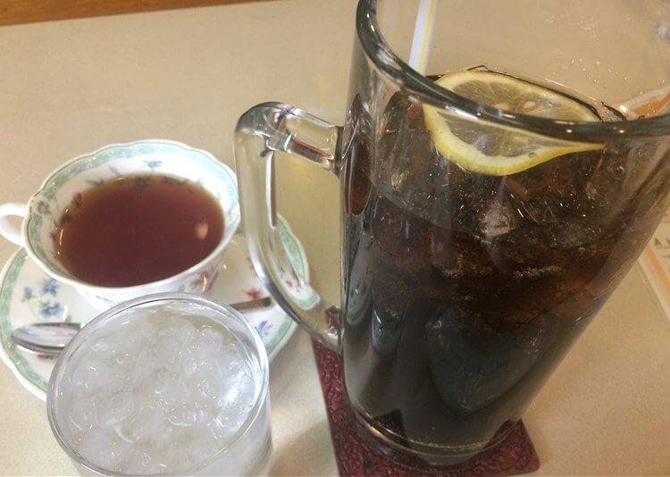 紅茶とコーラ